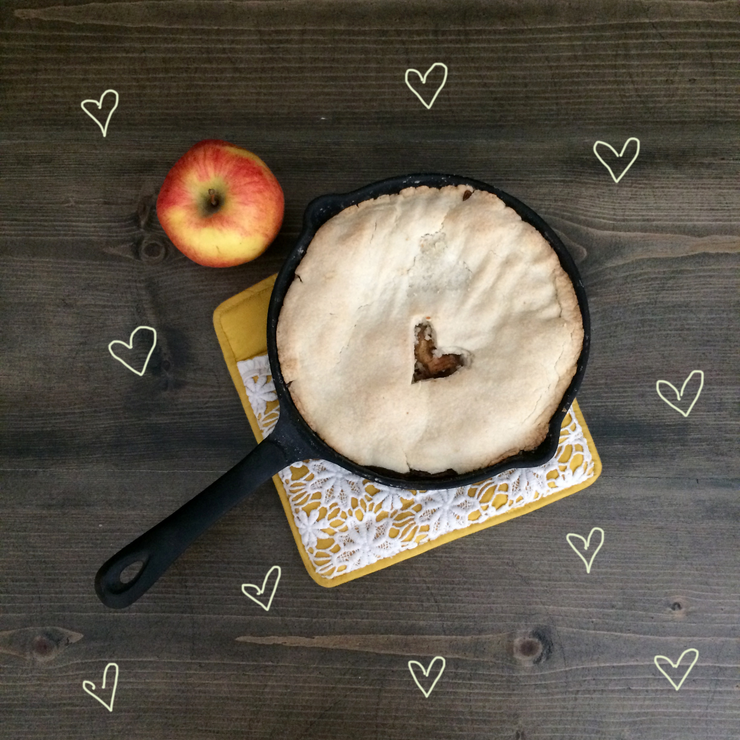 Bourbon Apple Pie Recipe | Red Autumn Co