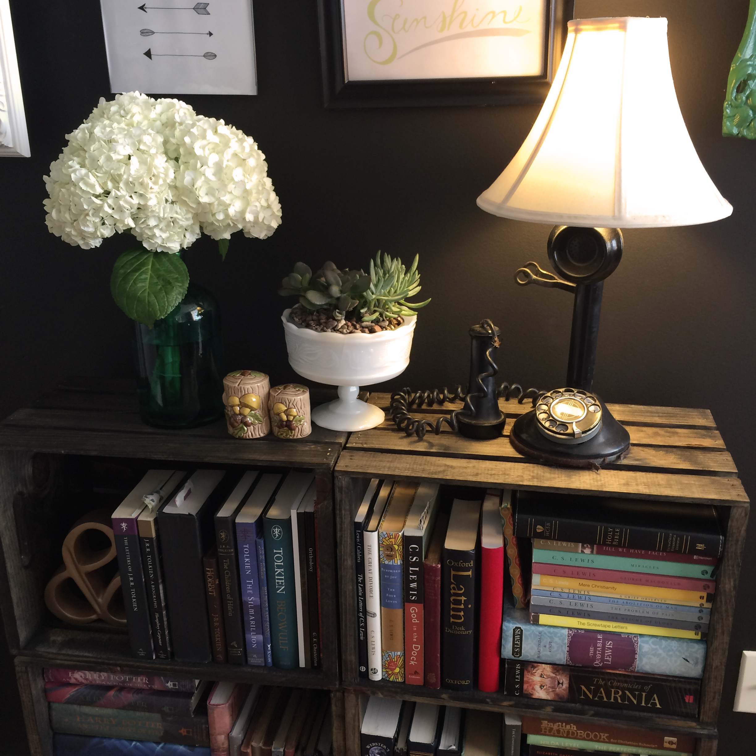 DIY Bookshelf | MrsAmberApple