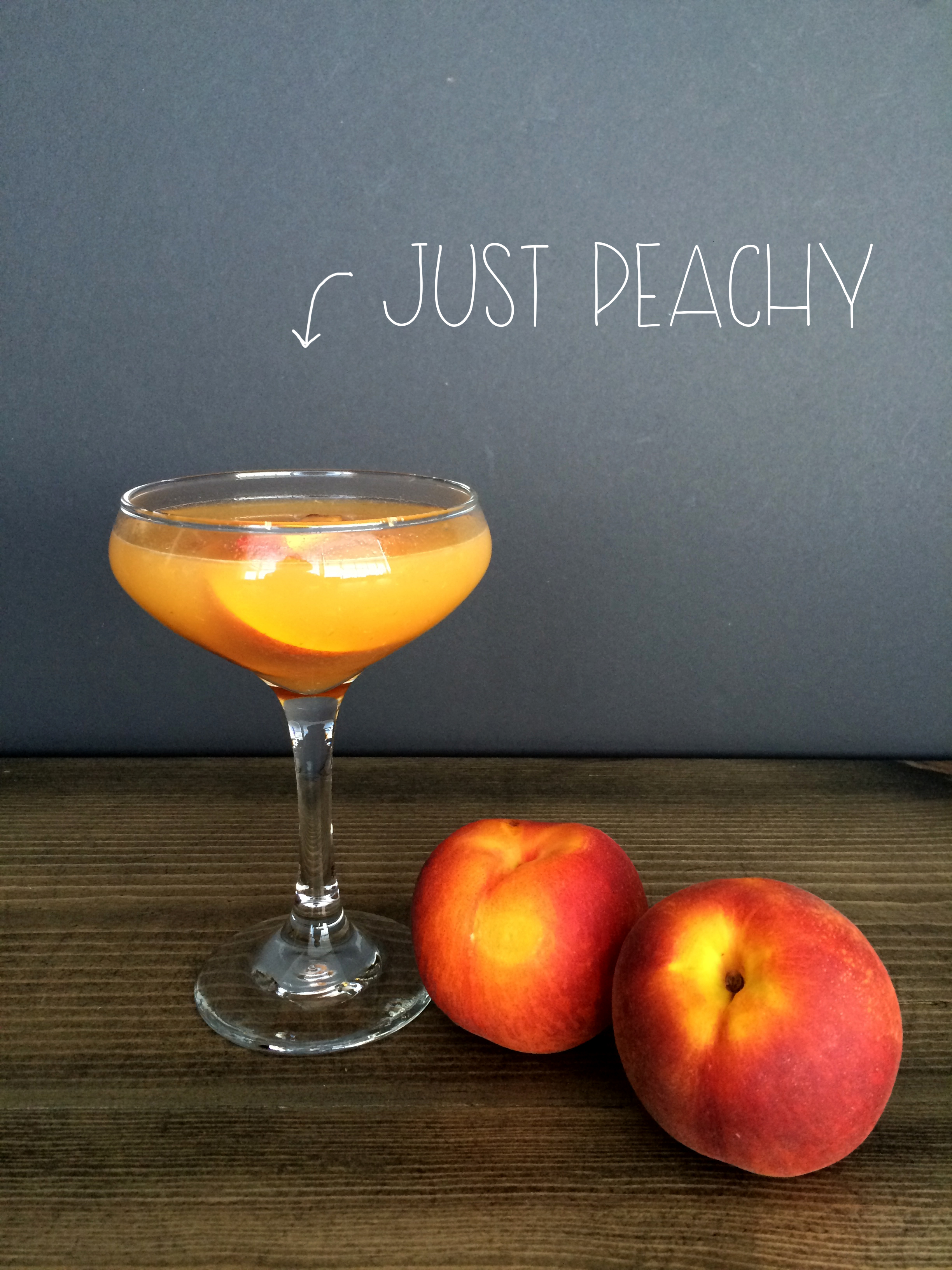 Just Peachy Cocktail | Red Autumn blog